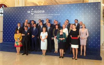 Ministri-Lucia-Surmova-UAVONIC